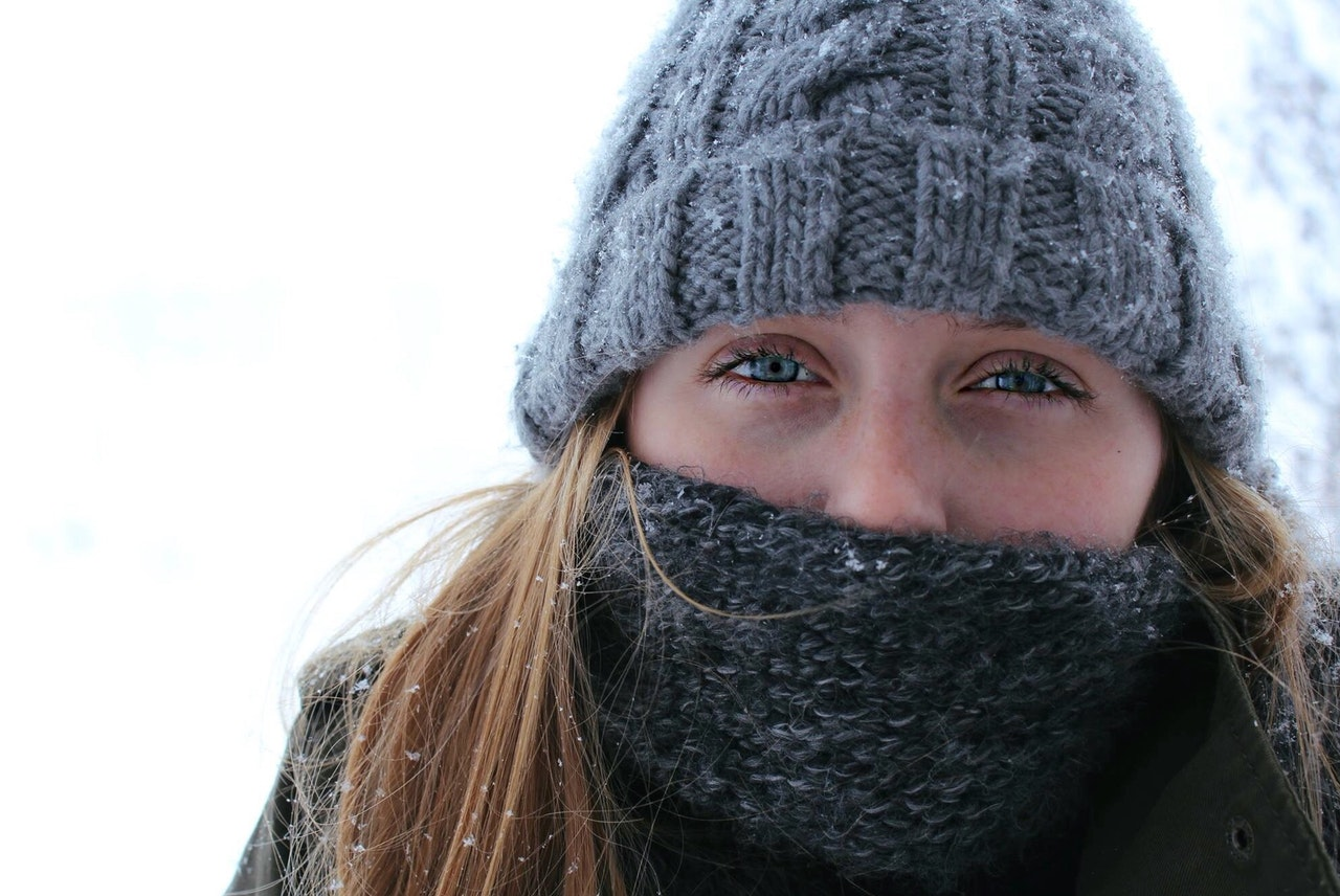 How to wear a buff and protect yourself from frost