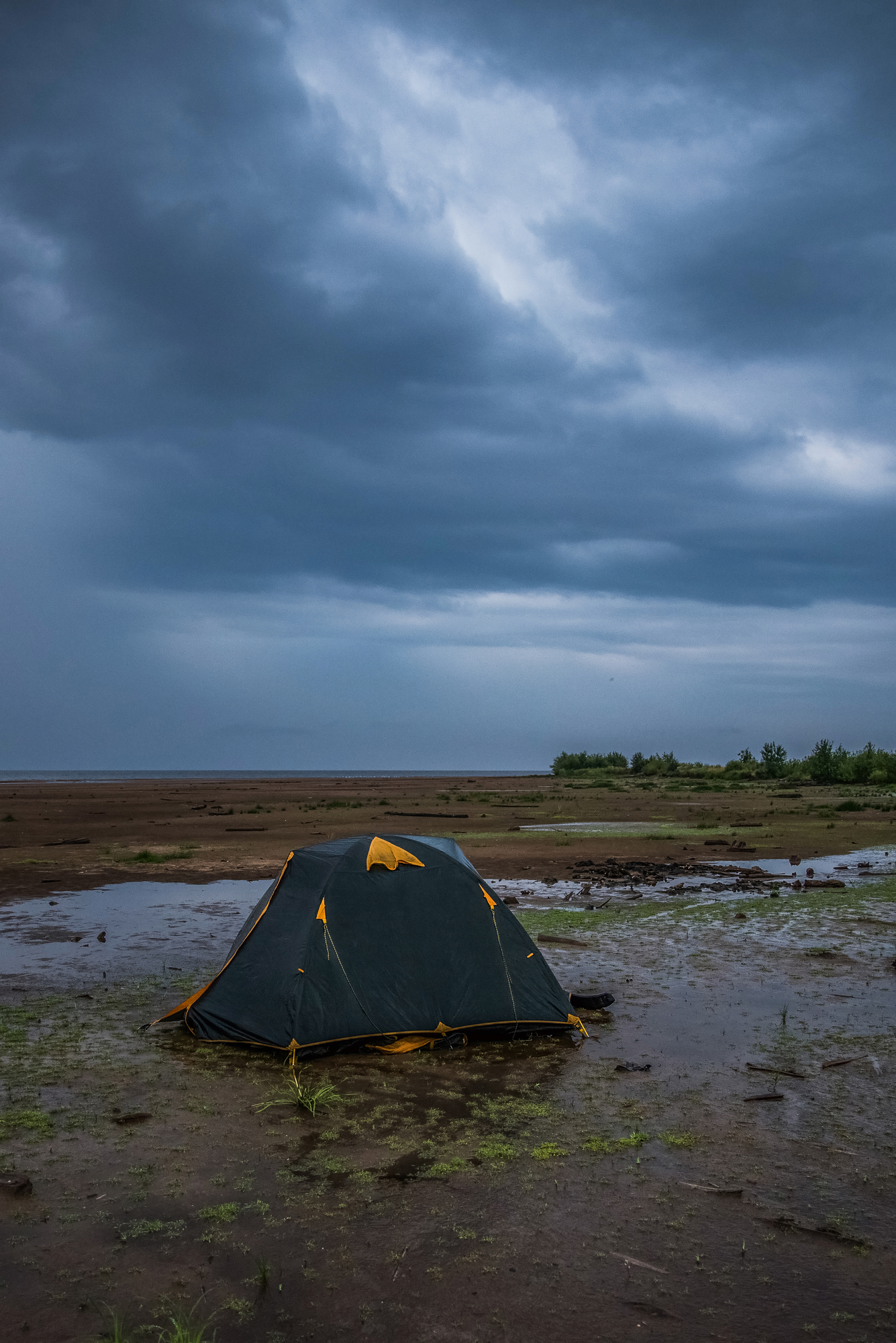 What To Look for When Buying a Waterproof Tent