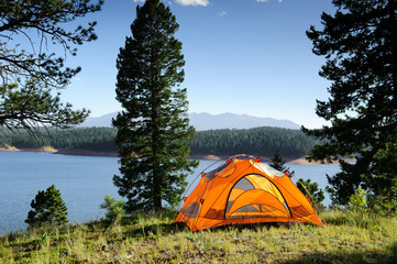 Pros and cons of an instant tent